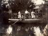 Marcel Legay en barque à Morannes.